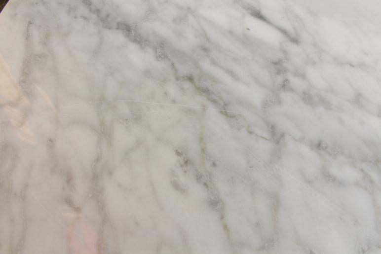 marmor kratzer entfernen royal cream poliert mit schatten with marmor kratzer entfernen marmor. Black Bedroom Furniture Sets. Home Design Ideas